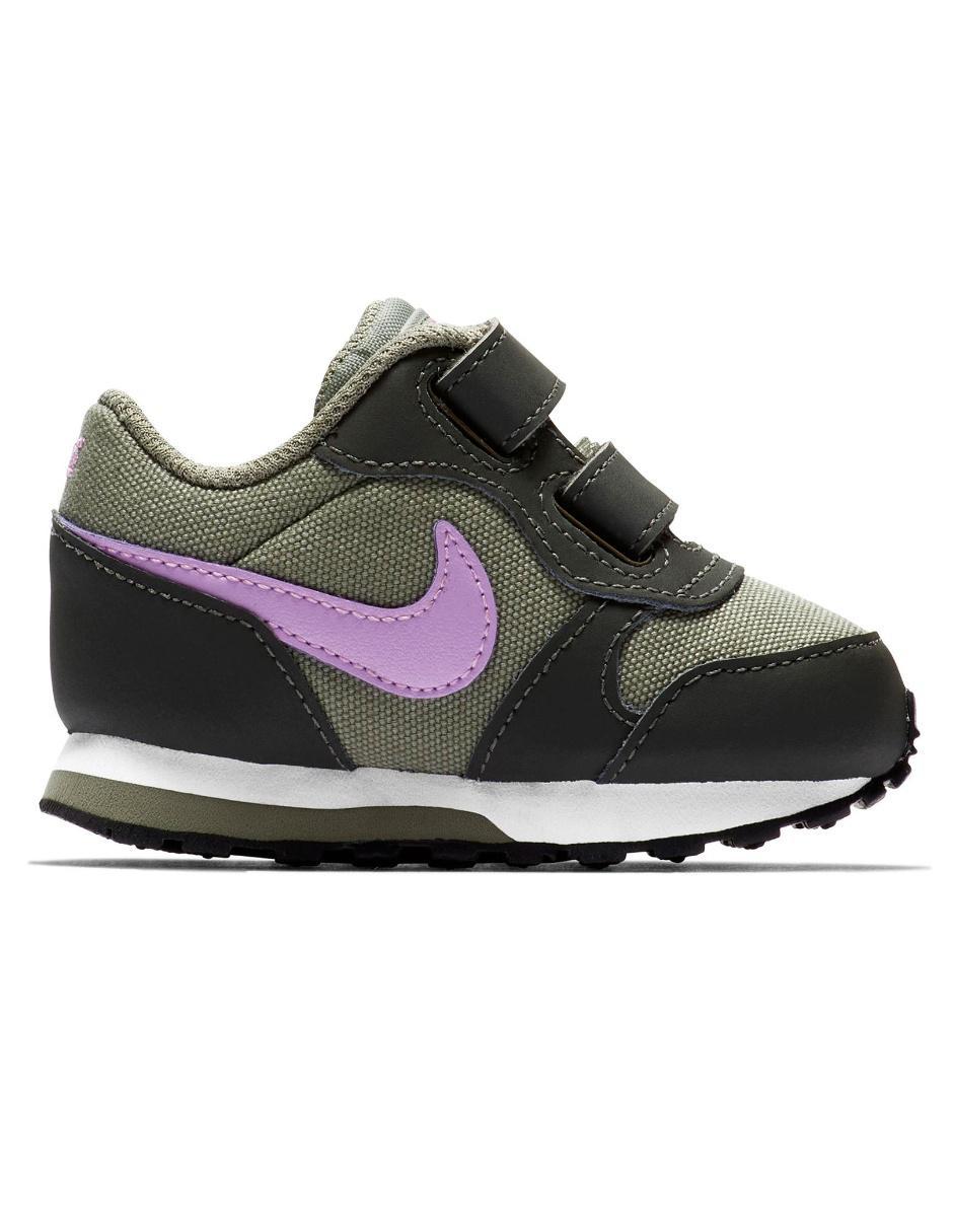 ff44359c03 Tenis Nike MD Runner 2 para niña Precio Lista